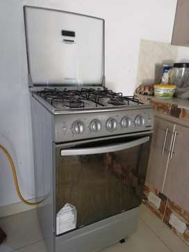 Estufa con horno Mabe con gratinador