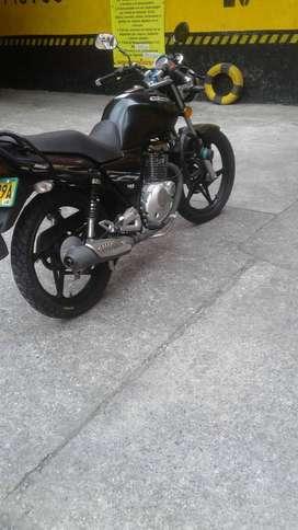 MOTO SUZUKI GS 125 R