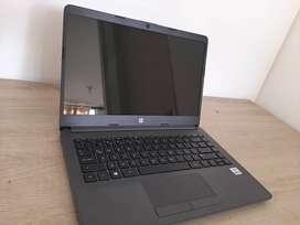 "Computador Portatil HP 14"" Pulgadas 14-cf2075la Intel Core i5- 4 GB RAM- Disco Estado Sólido 256GB-Gris"