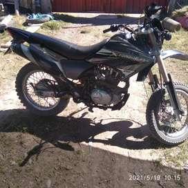 Venta de moto marca Sumo 250