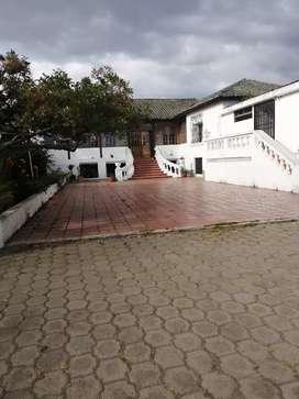 Hermosa propiedad cerca a la ciudad de Cotacachi