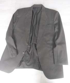 Hermoso traje italiano talla XL usado