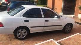 Nissan sentra, color blanco, 1.800