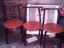 Cuatro sillas muy buenas