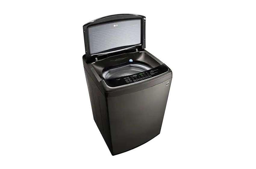 Lavadora LG Capacidad de 21 kilos en acero inoxidable de carga referencia: WT21BTS6
