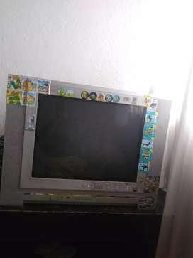 En venta 2 televisores marca GLG y SIMPLY