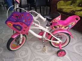 se vende bicicleta para niña