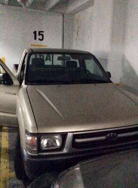 Se vende camioneta toyota hilux 2001
