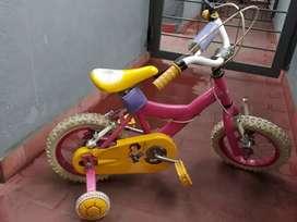 Vendo triciclo y bici