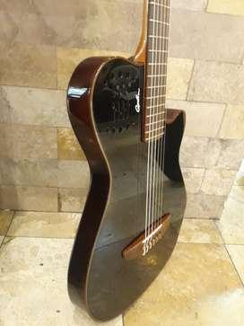 Guitarra Godin Modelo Grand Concert