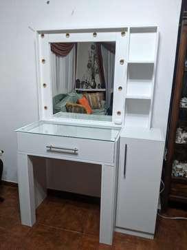Mueble para Maquillaje O Maquilladora