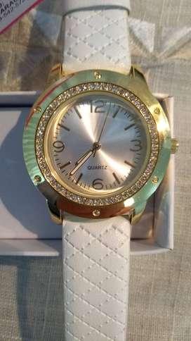 Reloj Dama blanco