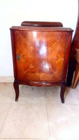 2 mesas de luz estilo Luis XV