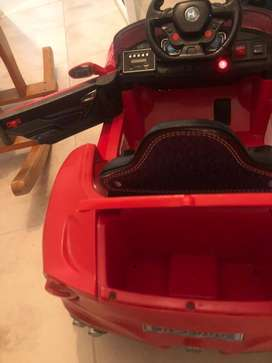Hermoso carro de bateria para niño o niña