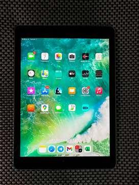 iPad 5 Generación 128GB Wi-FI Space Gray en Excelente estado. Bogotá Sector Salitre