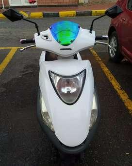 Vendo hermosa moto honda elite 125