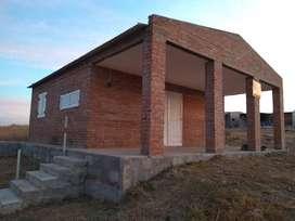 Casa en Quillinzo a mts del rio .-