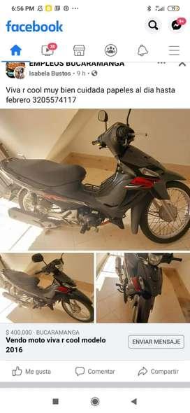Vendo moto viva r modelo 2016 con todos los papeles al día  esta en excelente  estado