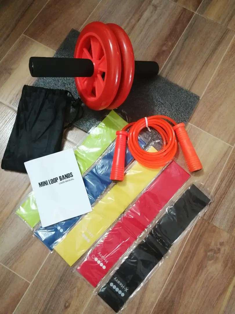 Kit bandas elásticas x 5 unidades, rueda abdominal, lazo siliconado +tapete para el apollo de las rodillas