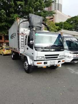 Se vende camión Ftr en muy bn estado