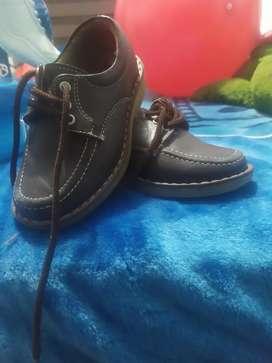 Zapato colegial niño color café talla 28