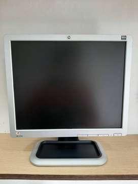 !!SEGUNDAZO BACANO!! MONITOR MARCA HP L1710 RESOLUCIÓN 1280x1024  NC17 PULGADAS LCD   ENTRADA VGA