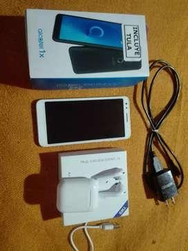Celular Alcatel + airpods,estado 10/10