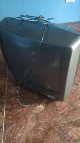 TV SANYO FUNCIONANDO EXCELENTE CON DECO PARA NETFLIX O YOU TUBE