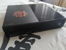 Xbox one de 500 GB edición Gears of War con su control y el juego  GTA 5