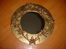 Bonito espejo decorativo alto relieve