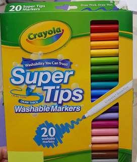 Fibras y lapices de colores