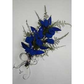 Flores de tela artesanales. Tiara azul