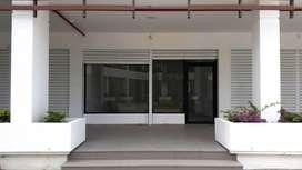 Local en Renta / Arriendo / Alquiler, en Sur de Manta, Urbanización altos de Manta Beach