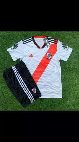 Uniforme River Plate y Boca Juniors