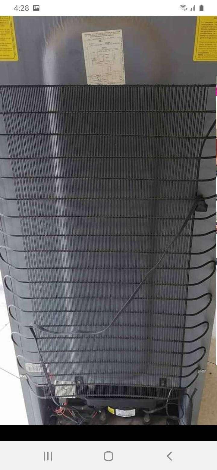 Reparacion arregló mantenimiento de calentadores a gas mabe haceb bosch centrales electrolux llamenos al WhatsApp