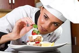 Se necesita auxiliar de cocina o con estudios en culinaria
