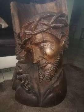 Imagen de Jesús en madera