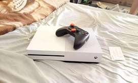 Xbox one s 1tb o cambio por una ps4 slim