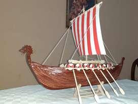 Barco Vikingo a escala