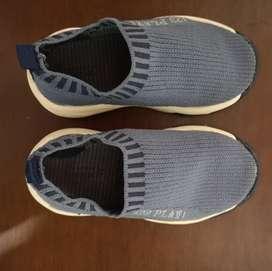Zapatos marca Zara Baby talla 21