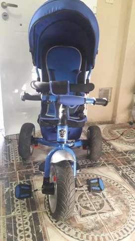 Triciclo de tres ruedas reforzado casi nuevo $10000.-