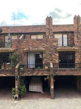 Arriendo espectacular casa en barrio Cedritos