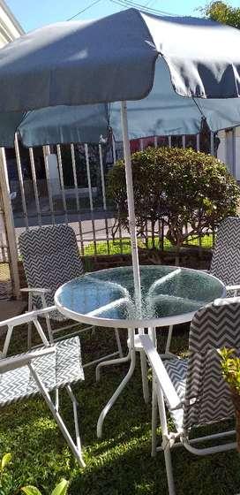 Vendo mesa y sillas de jardín
