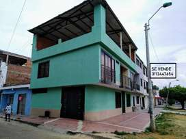 Vendo casa esquinera La Floresta, biplantas, ideal para negocio