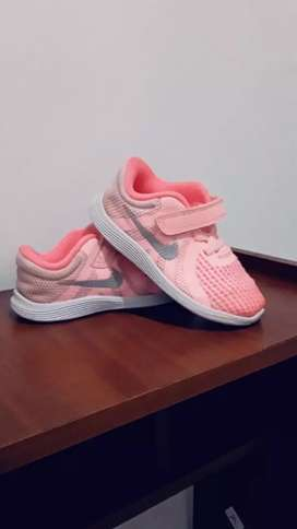 Hermosos tenis marca Nike originales