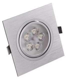 Luces varias (plafón LED, spot)