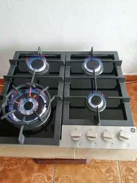 Bella Cocina General Eléctric modelo cgg20510 de 4 quemadores NUEVA!