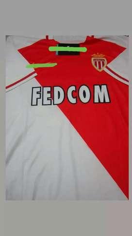 Camiseta Mónaco talle XL