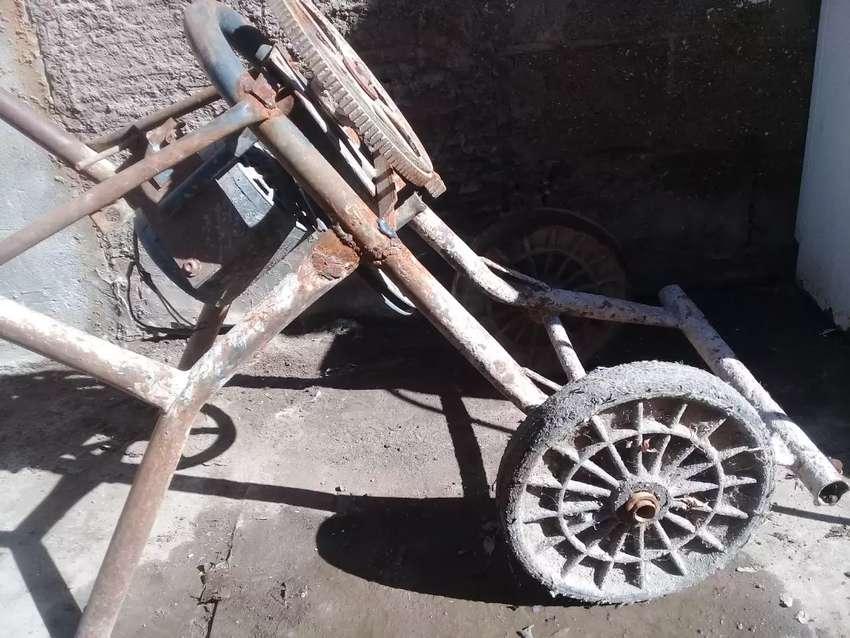 Hormigonera para reparar  con motor