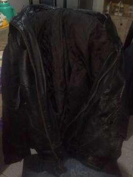 Campera negra de cuero
